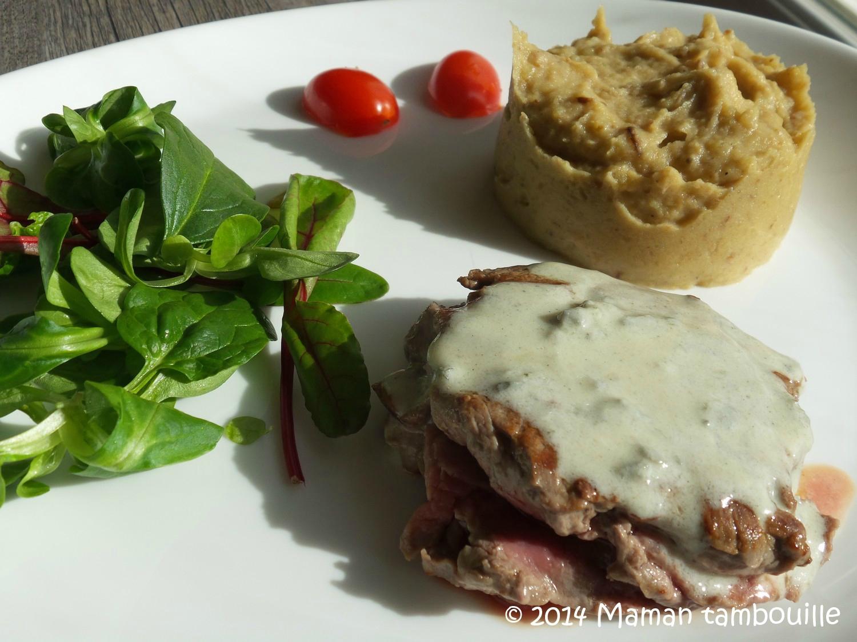 Read more about the article Boeuf en émincés sauce roquefort et sa purée aux cèpes