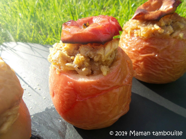 Pommes au four garnies de flocons d'avoine et sarrasin