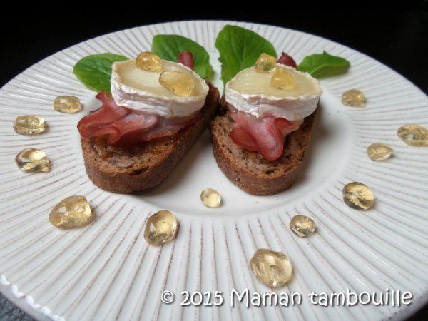 Tartines au chèvre et billes de miel