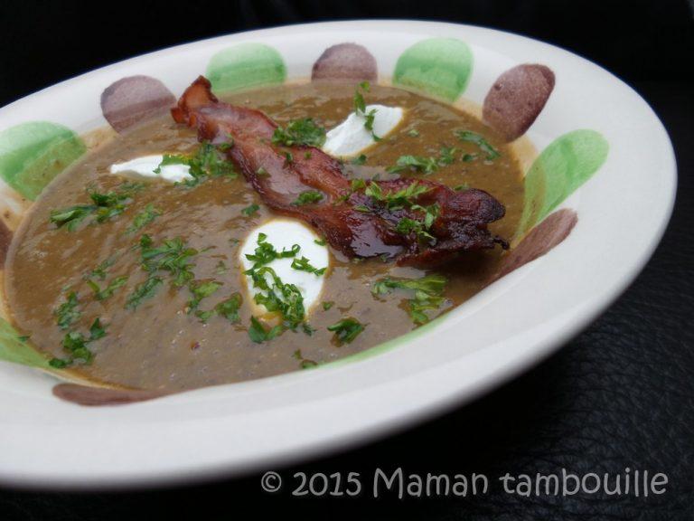 Read more about the article Soupe de lentilles, chips de lard et quenelles de chèvre frais