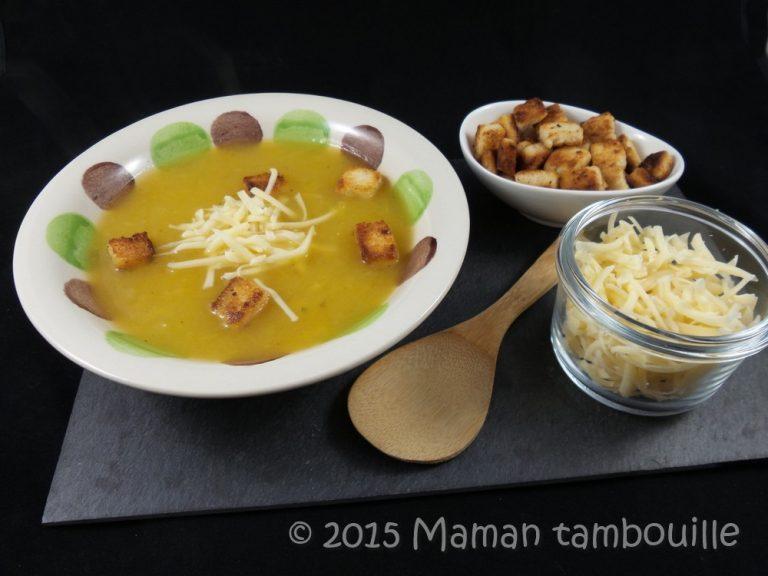 Read more about the article Soupe à l'oignon et courge, croutons