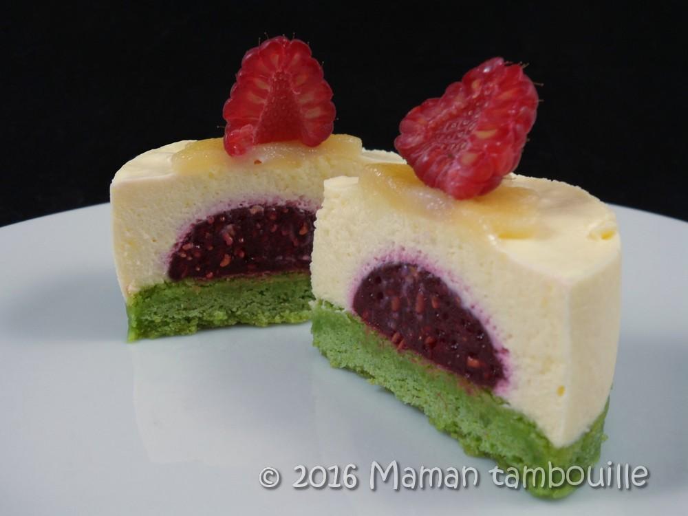 Entremet pistache framboise et crème d'amande