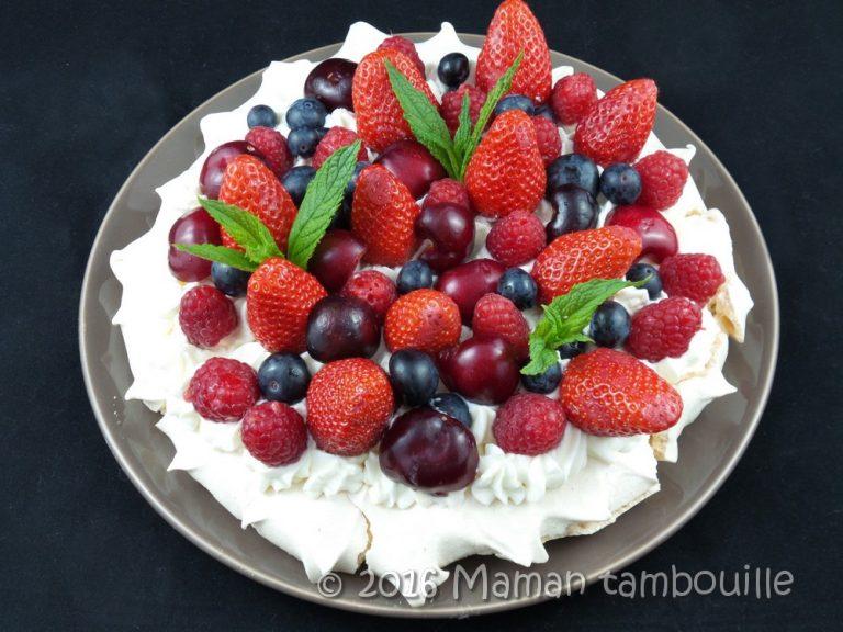 Read more about the article Pavlova aux fruits rouges