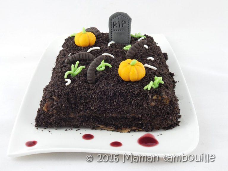 Gâteau de crêpes cimetière d'halloween