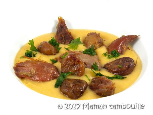 Crème de haricots blancs, confit de canard et châtaignes poêlées