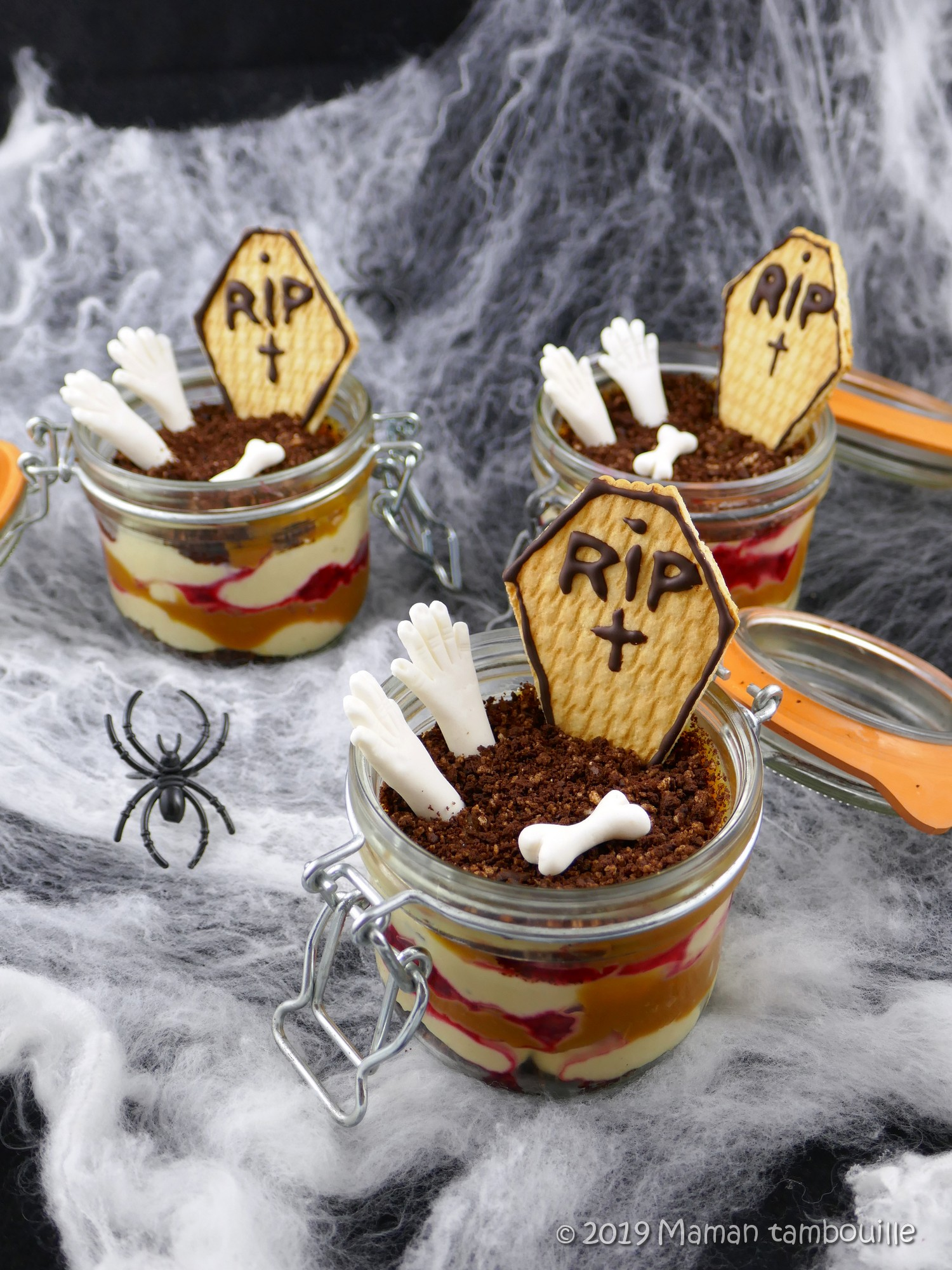 Verrine d'halloween crémeux tonka, caramel et framboises