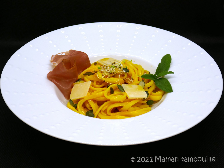 Spaghetti crème de butternut et beurre à la sauge